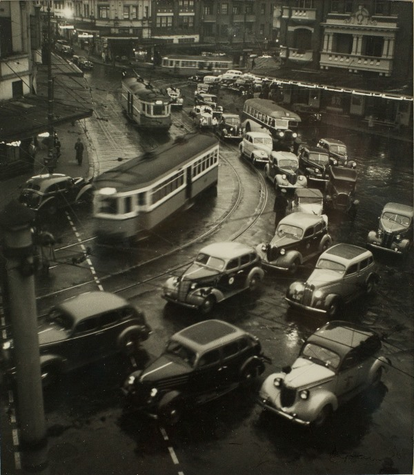 Max Dupain, Kings Cross at Dusk – Peak Hour (1937)