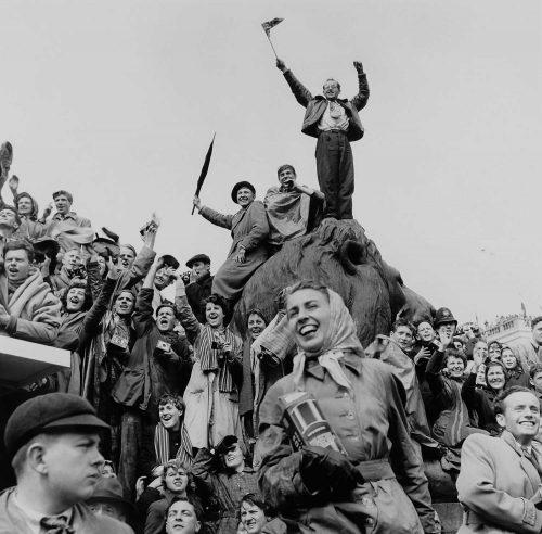 Moore David Coronation crowd Trafalger Sq London 1953